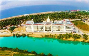 Diamond Premium Hotel & Spa - Side