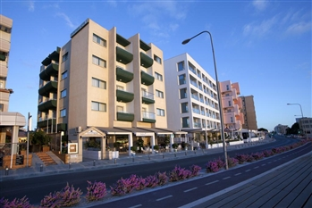COSTANTIANA BEACH HOTEL APARTMENTS - Larnaca