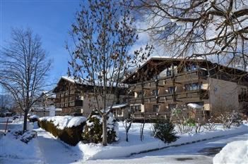 Hotel & Suites Dahoam by Sarina - Schüttdorf - Zell am See