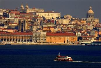 LISABONA, ALGARVE, SEVILLA - Revelion 2020 - Lisabona